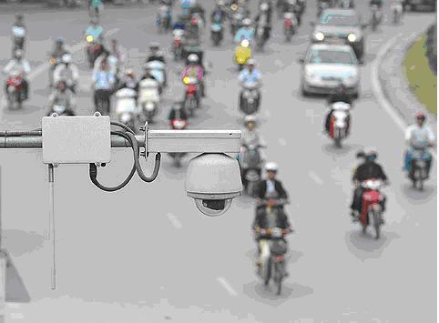 Bộ trưởng Thăng đặt hàng camera biết đọc biển số để phạt nguội