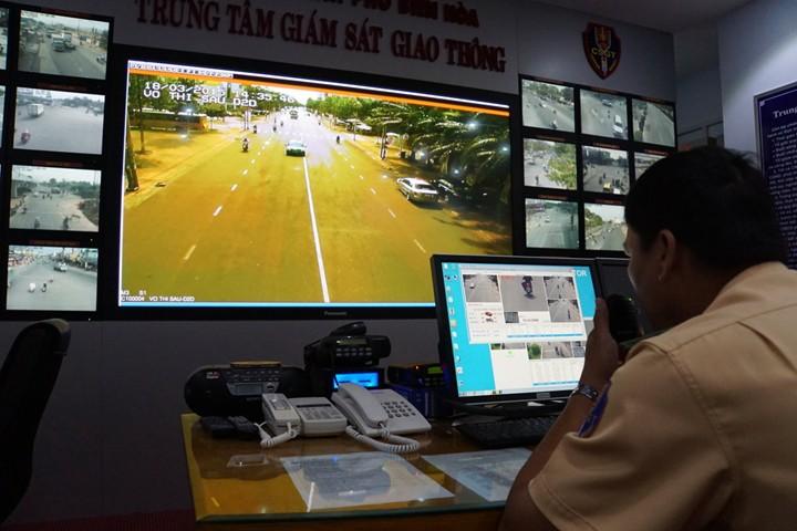 Camera giám sát giao thông có ghi lại hành trình ném xác