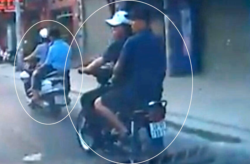 Camera hành trình ghi lại cảnh hai tên cướp giật táo tợn trên phố