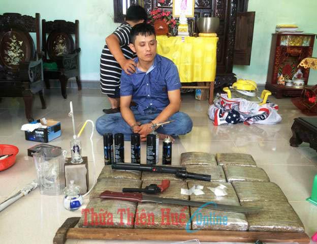 Triệt phá sào huyệt có lắp đặt camera để canh ma túy ở Huế